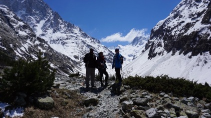 David, Phoebe and UNO Chemistry Alumna Taylor Bure in the French Alps